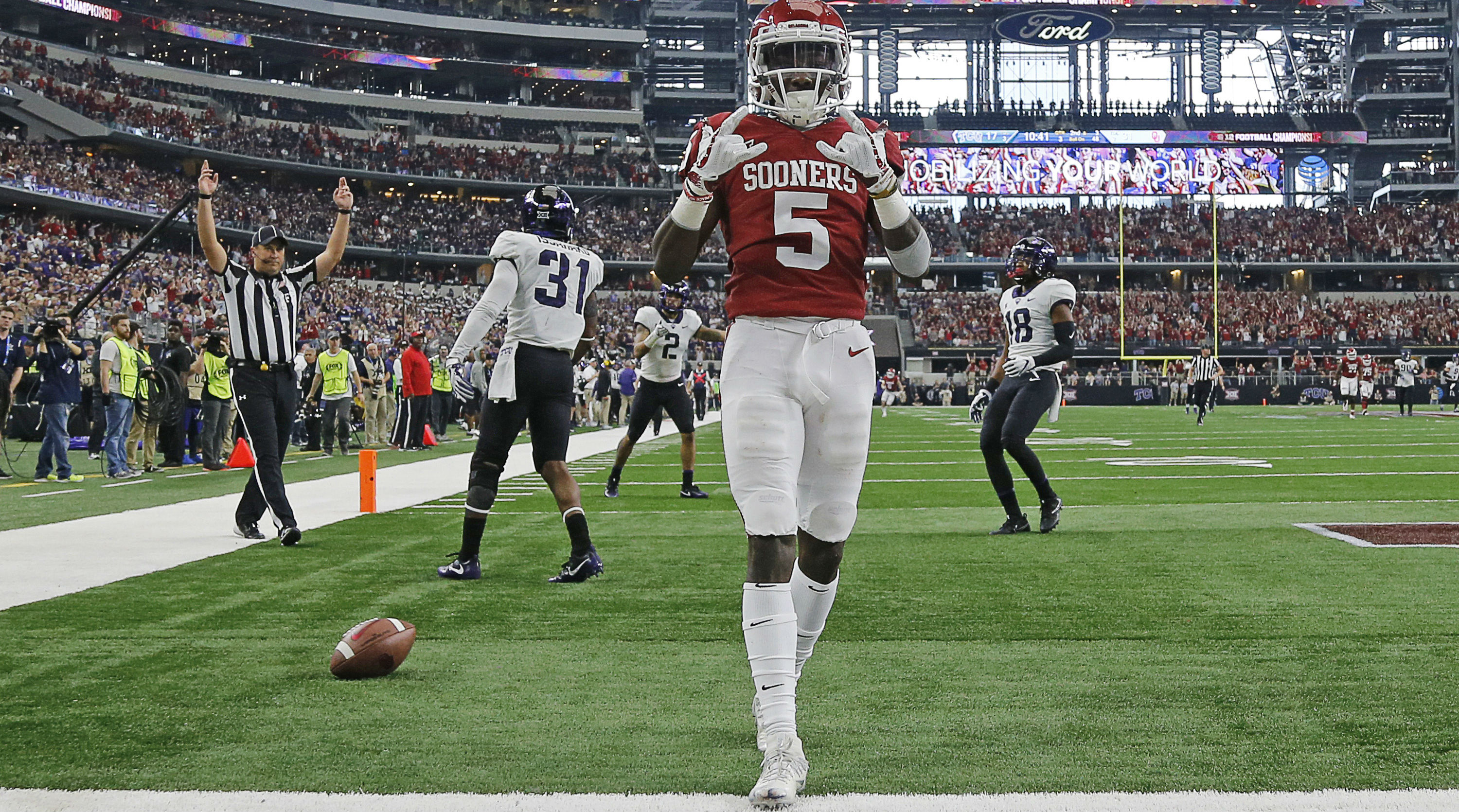 Top 15 Wide Receivers in College Football in 2018