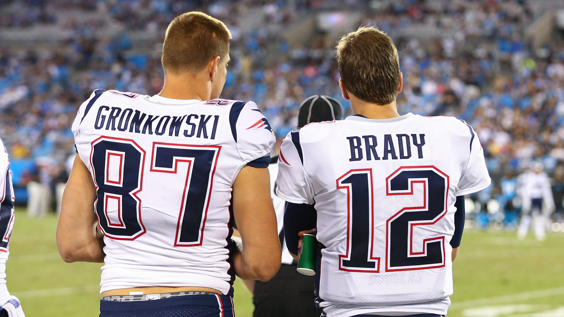 Brady's Bucs Welcome Gronkowski After Trade With Pats