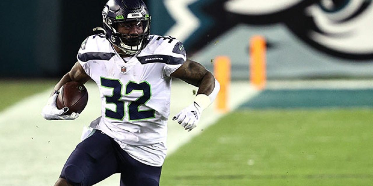 Seahawks re-sign RB Chris Carson