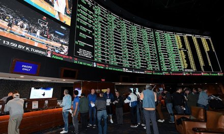 Arizona Sports Betting Ready to EXPLODE With 20 Licenses up For Grabs
